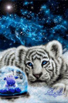 Анимация Белый тигренок смотрит на шар с падающим снегом внутри (Н. В)