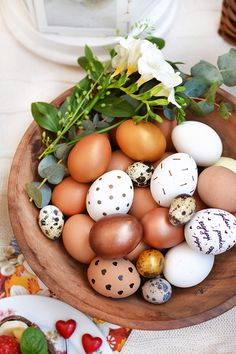 #easter #picnic #diy #eggs #chocolate #food #coloring #spring #holiday #fruit