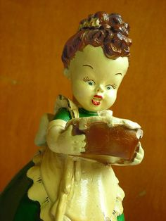 Vintage Chalkware Figurine  1940s Kitchen Girl by HippopoVintage