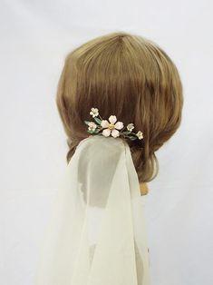 Flower hair pin 222   Etsy Bridal Crown, Bridal Tiara, Flower Hair, Flowers In Hair, Star Flower, Leaf Flowers, Hair Piece, Hair Comb, Gold Leaf