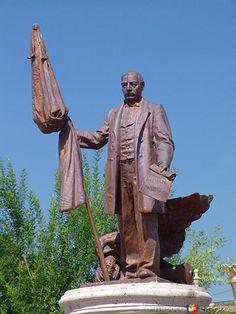 Monumento a Benito Juárez en Sabinas Hidalgo, Nuevo León, México