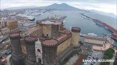 Una meravigliosa panoramica di Napoli vista dall'alto. Emozioni uniche!  Video by Sangue Azzurro #FatimaTrottaFanpage