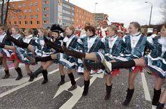 Karnevalsumzug  http://www.lr-online.de/regionen/cottbus/Der-Karneval-uebernimmt-in-Cottbus-die-Regie;art1049,4118282