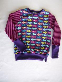 Langarmshirts - ✪ lila haifisch ✪ schönes Langarmshirt 110/116 - ein Designerstück von traumgenaeht bei DaWanda