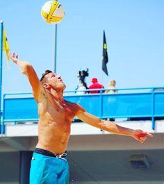 """Success is not the key to happiness. Happiness is the key to success. If you love what you are doing you will be successful.""  Albert Schweitzer  @quiksilver @rawgreenorganics  #boom #comebacktour #beachvolleyball #volleyball #quiksilver #rawgreenorganics #cincy #avp #avp2015 #avpcincy"