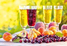 Ako si vyrobiť dobré víno Flute, Tableware, Smoothie, Dinnerware, Tablewares, Smoothies, Flutes, Dishes, Tin Whistle