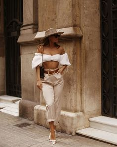 Top, 91€ at houseofcb.com - Wheretoget Outfits With Hats, Edgy Outfits, Summer Outfits, Fashion Outfits, Urban Fashion Trends, Spring Fashion Trends, Looks Style, My Style, Summer Looks