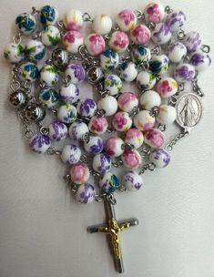 Porcelana Francesa Ornament Wreath, Ornaments, Wreaths, Bracelets, Jewelry, Home Decor, Rosaries, French Tips, Porcelain Ceramics