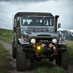 Land Cruiser Of The Day! – Enter the world of Toyota Land Cruisers Toyota Fj40, Toyota Trucks, Toyota Cars, 4x4 Trucks, Toyota Vehicles, Tacoma Truck, Jeep Truck, New Toyota Land Cruiser, Fj Cruiser