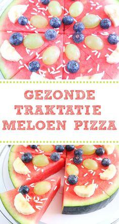 traktatie meloen pizza Fruit Recipes, Snack Recipes, Recipies, Birthday Snacks, Fruits For Kids, Classroom Treats, Good Food, Yummy Food, Buffet