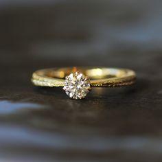 ゴールドの婚約指輪 [engagement,wedding,ring,Gold,diamond,ダイヤモンド,オーダーメイド,イズマリッジ]