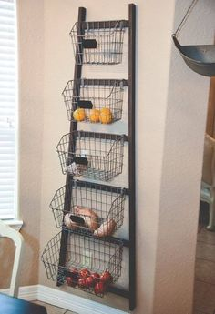 Best Ways to Use Wire Baskets for Storage in the Home Looking for ways to organize your home using baskets? You've come to the right place! Here are great ideas to use wire baskets for storage! - wire baskets for storage - fresh produce container Diy Kitchen Storage, Kitchen Organization, Kitchen Decor, Kitchen Ideas, Design Kitchen, Organization Ideas, Kitchen Inspiration, Kitchen Modern, Kitchen Layout