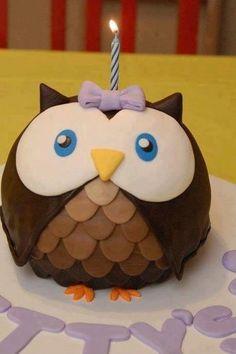 Owl cake or winter cupcakes? Pretty Cakes, Cute Cakes, Beautiful Cakes, Amazing Cakes, Beautiful Owl, Fondant Cakes, Cupcake Cakes, Fruit Cakes, Owl Cake Birthday