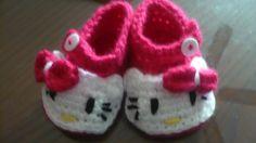 Zapatitos de Hello Kitty para niña, de venta en Guadalajara  Informes en www.facebook.com/DTejidosamano