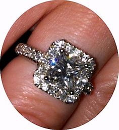 this is the only kind of ring that i like.(: