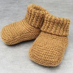 Knitting For Kids, Knitting For Beginners, Baby Knitting Patterns, Knitting Socks, Knitting Projects, Crochet Baby, Knit Crochet, Easy Yarn Crafts, Baby Barn