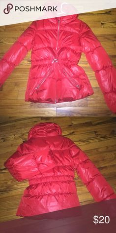 Hm coat red puffer belt 2 pockets Hm coat red puffer belt 2 pockets H&M Jackets & Coats Puffers