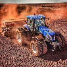 Old John Deere Tractors, Big Tractors, Ford Tractors, Vintage Tractors, New Tractor, New Holland Tractor, Tractor Pictures, New Holland Agriculture, Cat Machines