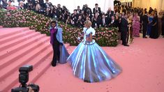 We've watched the arrivals and decoded the red carpet looks, but what actually happened at the Met Gala From the family photo ops and couple goals, to a real fairytale showstopper, here are the moments that you need to see Zendaya Met Gala, Zendaya Dress, Estilo Zendaya, Zendaya Style, Met Gala Red Carpet, Red Carpet Gowns, Light Up Dresses, Nice Dresses, Celebrity Red Carpet