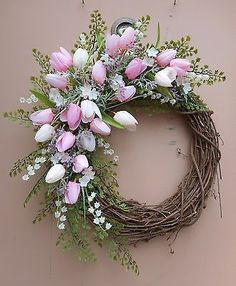 Easter Wreaths 35 – Decoratop How to Get the Bride Arrangement and Groom Boutonniere Harmony? Wreath Crafts, Diy Wreath, Door Wreaths, Grapevine Wreath, Wreath Ideas, Wreath Burlap, Wreath Making, Tulip Wreath, Floral Wreath