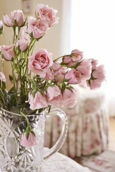 Pink Lisianthus. Love these, they look like roses.