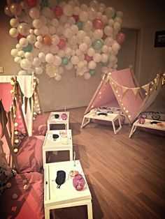 Parties for Girls | Girls Slumber Party | Glamping | Parties for Little Girls | Slumber Party Ideas | Celebration Studio Blog Featured Friday Favorite