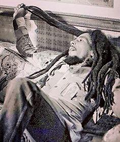 Bob Marley Songs, Reggae Bob Marley, Bob Marley Mellow Mood, Bob Marley Pictures, Marley Family, Jah Rastafari, Robert Nesta, Deep Set Eyes, Nesta Marley