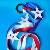 http://www.cuttingtinybites.com/2015/06/patriotic-dancing-rings-fourth-of-july.html