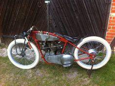 Cool Motorcycles, Vintage Motorcycles, Powered Bicycle, Racing Quotes, Motorized Bicycle, Leaf Spring, Fat Bike, Motorcycle Garage, Kustom Kulture