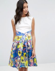 Buy it now. Closet Floral Water Print Skirt Contrast Pleat Dress - Multi. Dress by Closet, Smooth woven fabric, Round neckline, Sleeveless cut, Wrap waist, Pleated contrast skirt, Zip back fastening, Regular fit - true to size, Machine wash, 97% Polyester, 3% Elastane, Our model wears a UK 8/EU 36/US 4 and is 170 cm/5'7� tall. ABOUT CLOSET Designing and producing a covetable collection of day to night dresses in the heart of London, Closet transcends seasons to bring you fashion-forward…