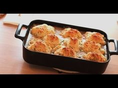 This Chicken And Biscuits Casserole Recipe Will Keep You Coming Back For Chicken Biscuit Casserole, Chicken And Biscuits, Fried Chicken Recipes, Chicken Meals, Chicken Soup, Baked Chicken, Tasty Videos, Biscuit Recipe, Yum Yum Chicken