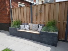 78 ideas of modern garden fence designs for summer ideas 15 modern deck patio ideas for backyard design and decoration ideas Backyard Fences, Backyard Landscaping, Backyard Seating, Fence Garden, Diy Fence, Backyard Designs, Fence Planters, Fenced In Backyard Ideas, Diy Garden Seating