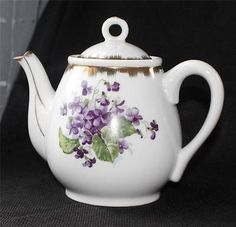 """Vintage 1950s NAPCO China Hand PAinted VIOLET 6 1/2""""h Teapot Tea Pot"""
