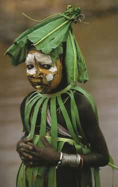 37thState Online — Natural Fashion: Tribal Decoration from East Africa by Hans Silvester