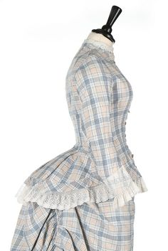 Summer Gown (image 5) | 1880s | cotton, needlerun lace | Kerry Taylor Auctions | February 27, 2017