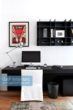 Contemporary study Shelving Design, Open Shelving, Interior Architecture, Interior Design, Interior Ideas, Piece A Vivre, Office Interiors, Home Decor Inspiration, Workspace Inspiration