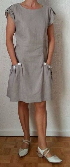 My taupe linen dress: photos worn - Nine Couture - Charlotte B. - - Ma robe en lin taupe: photos portée – Nine Couture My taupe linen dress: photos range - Sewing Dresses For Women, Trendy Dresses, Casual Dresses, Clothes For Women, Linen Dresses, Women's Dresses, Fashion Dresses, 50 Fashion, Woman Fashion