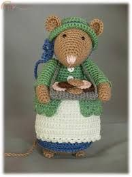 Aminette's World by Antoinette - Dickens Mouse Beth Pattern Dutch Crochet Mouse, Crochet Dolls, Amigurumi Patterns, Homemade Dolls, Troll Dolls, House Mouse, Waldorf Dolls, Beatrix Potter, Animales