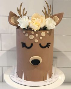 Hunting Birthday Cakes, Deer Cakes, Deer Baby Showers, Crown Cake, Friends Cake, Birthday Cake With Flowers, Spring Cake, Animal Cakes, Novelty Cakes