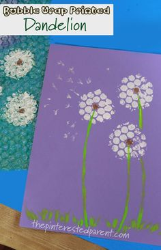 Bubble Wrap printed flowers - kid's arts and craft. Printmaking and stamping ideas for the spring and summer Adult Crafts, Toddler Crafts, Bubble Wrap Crafts, Bubble Wrap Art, Arts And Crafts House, Diy Arts And Crafts, Home Crafts, Paper Flowers For Kids, Spring Flowers Art For Kids