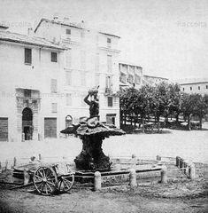 Piazza Barberini. Sullo sfondo l'olmata di Via Veneto e la Chiesa dei Cappuccini Anno: 1865u