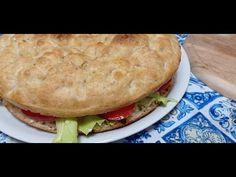 Focaccia alta e soffice - YouTube Hamburger, Bread, Chicken, Ethnic Recipes, Youtube, Food, Brot, Essen, Baking