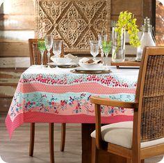 Toalha de Mesa Belle. Um almoço só fica perfeito quando na mesa há uma linda toalha.