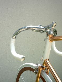 copper-plated shiny Vanguard Yura design bicycle