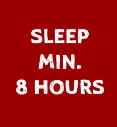 Mindestens acht Stunden Schlaf pro Tag helfen dabei zu regenerieren. Dabei können Muskeln wachsen, der Körper sich erholen und es wird vor Krankheiten vorgebeugt.