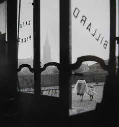Rue des Couronnes, Rue Henri Chevreau,Ménilmontant, Paris,1948©Willy Ronis