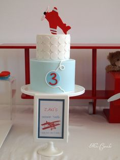 I like the simple clean look of this cake Airplane Birthday Cakes, Airplane Cakes, Airplane Party, Baby Boy Birthday, 1st Birthday Parties, Birthday Ideas, Kids Party Themes, Party Ideas, Cakes For Boys