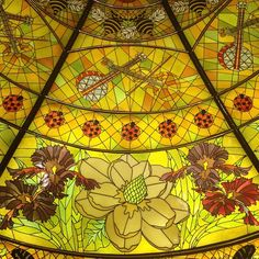 Extraordinary stained glass in the lobby of the Gaylord Opryland Resort depicts Southern beauty and charm. Photo by jasonshipman • Instagram