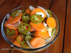 Spicy Pickled Jalapeno and Carrots - my husband eats this every time we go to Berryhill Healthy Snacks, Healthy Eating, Yummy Snacks, Easy Snacks, Clean Eating, Yummy Food, Pickled Carrots, Spicy Carrots, Pickled Onions