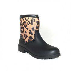 Tu calzado perfecto está en Primar Shoes.  8,00€   https://primarshoes.com/botas-mujer/10972-botas-agua-leopardo-tf134.html  #FelizMiercoles   #PrimarShoes